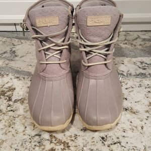 Sperry thinsulate lavender boots